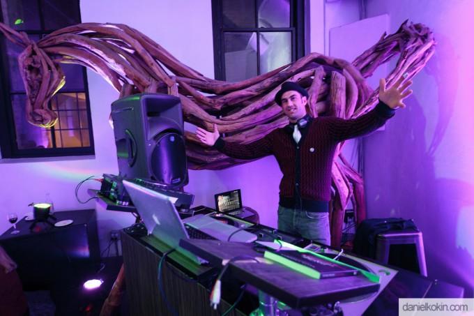 Zappa Room | DJ Revolves It